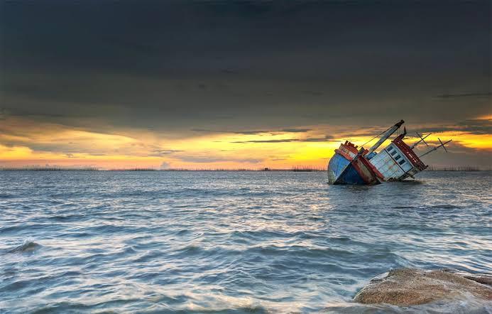 Kapal Bermuatan 70 Ton Kelapa dari Inhil Tenggelam di Perairan Lingga
